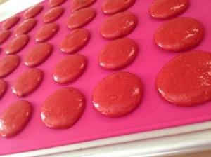 red velvet macarons before baking